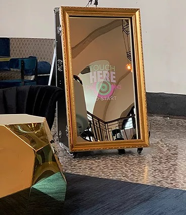 mirror-booth-brugge